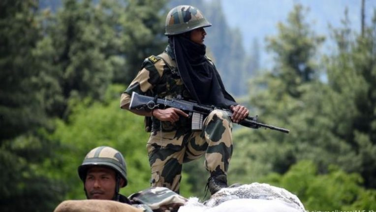 भारत-चीनच्या नियंत्रण रेषेवरील फलकावरील 'हे' वाक्य वाढवतेय सैनिकांचे आत्मबल; जाणून घ्या काय आहे ते वाक्य?