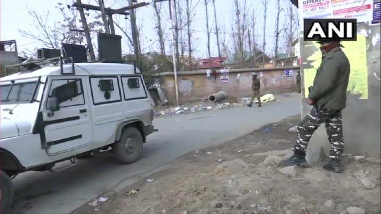 श्रीनगरमध्ये दहशतवाद्यांचा उच्छाद, हल्ला करून बसले लपून, शोधमोहिम सुरू