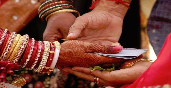 मुलीच्या लग्नाची चिंता मिटवणारी LIC ची 'कन्यादान' पॉलिसी