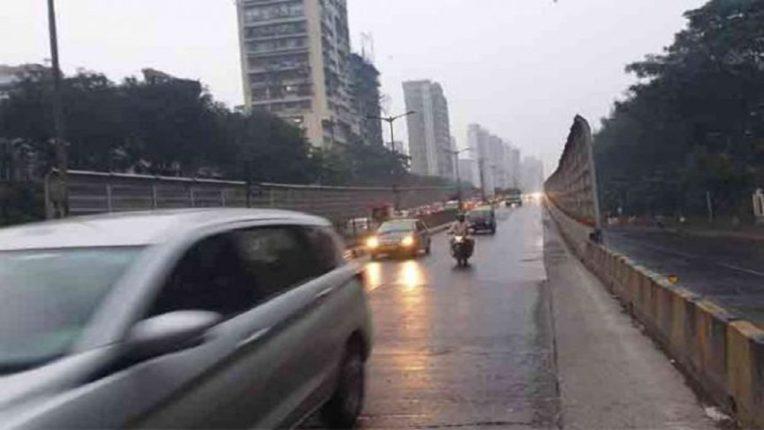 सकाळी सकाळी मुंबईकरांचा वेग मंदावला, माटुंगा पुलावरील अपघातामुळे वाहतूक कोंडी