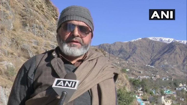 शरण आलेल्या दहशतवाद्याने लढवली जम्मू काश्मीरमधील जिल्हा परिषदेची निवडणूक, दहशतवाद्यांना हिंसेचा मार्ग सोडून देण्याचं आवाहन