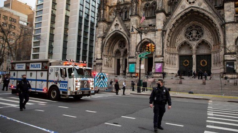 न्यूयॉर्कमध्ये चर्चबाहेर गोळीबार; हल्लेखोर जेरबंद