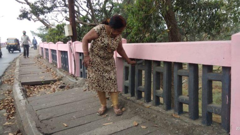 वालधुनी पुलाची रंगरंगोटी