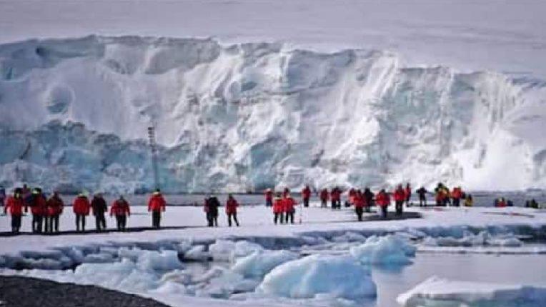 अंटार्क्टिका खंडातही कोरोनाचा उगम, जगभरातील संशोधकांमध्ये उडाली खळबळ