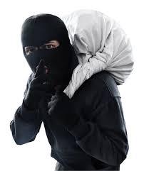 चोरांचा डॉक्टरच्या घरावर डल्ला २ लाख ११ हजाराचा ऐवज लंपास