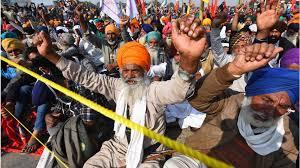 'स्वतःच्या पोळ्या भाजण्यासाठी' राजकीय पक्ष आंदोलनात सहभागी; शेतकरी नेत्यांच्या राजकीय पक्षांना कानपिचक्या