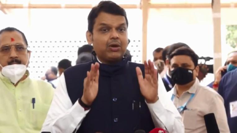 Power should not go to the head; Devendra Fadnavis warns Mahavikas Aghadi government on Kangana and Arnab issue