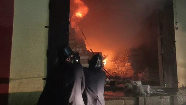 औद्योगिक वसाहतीस अग्निशामक  यंत्र कधी मिळणार? कंपन्यांच्या संरक्षणासाठी पुरेशी नाही यंत्रणा