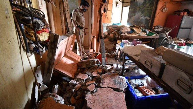 Lalbagh household gas cylinder explosion accident; Two died and five were in critical condition