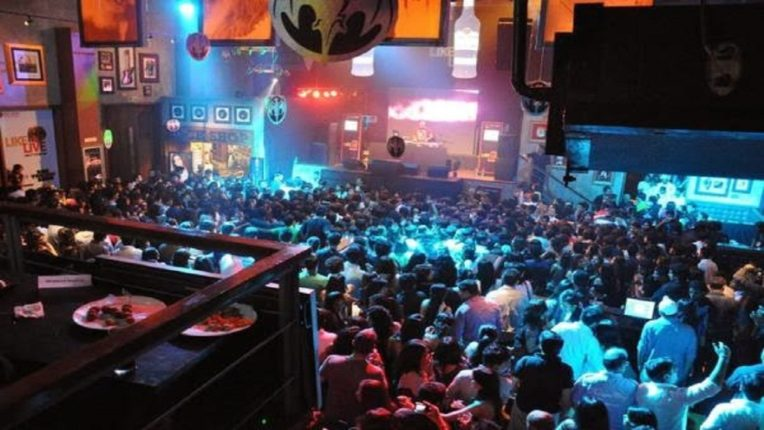 Crowds at nightclubs in Mumbai; A warning to impose night curfew if not improved