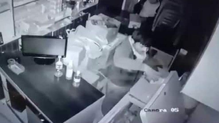 बारामतीत चोरांचा सुळसुळाट, आधी दुकानं फोडली नंतर आइस्क्रीम खावून.., व्हिडिओ व्हायरल