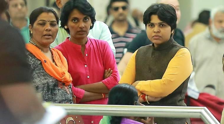 Shiv Sena Women's Front warns Trupti Desai