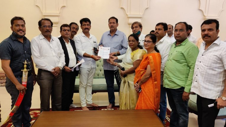 Sakal Maratha Samaj and Mumbai Maratha Kranti Morcha coordinators invite BJP MP Chhatrapati Udayanraje Bhosle to a statewide meeting