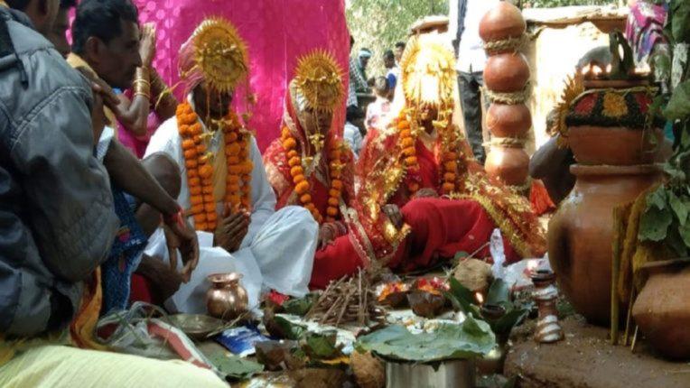 man love married with two women in one mandap at chhattisgarh bastar nrvb