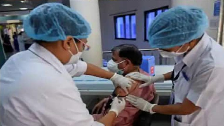 खासगी रुग्णालयातही लसीकरण होणार 24×7, रोज १ लाख लोकांना डोस देण्याचे लक्ष्य