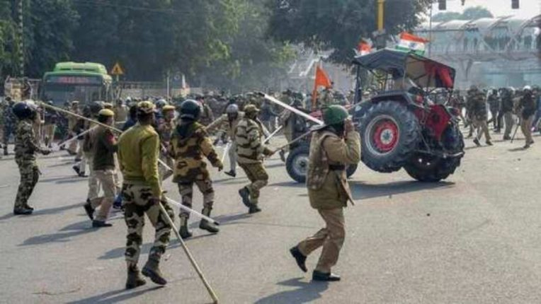 Delhi Tractor Parade 4 police personnel including 83 injured in violence; Shah decided to take action nrvk