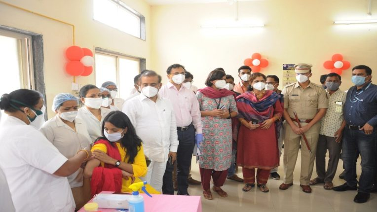 Corona vaccination dryness held in Jalna in the presence of Health Minister Rajesh Tope