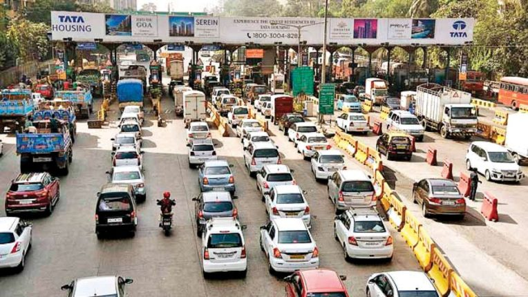 No entry to buses and other vehicles coming from foreign countries in Mumbai; Passengers will be dropped off at Mulund-Dahisar check post Aditya Thackeray's decision