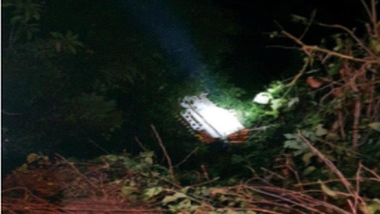 Terrible accident in Raigad The tempo crashed into a valley a hundred and fifty feet