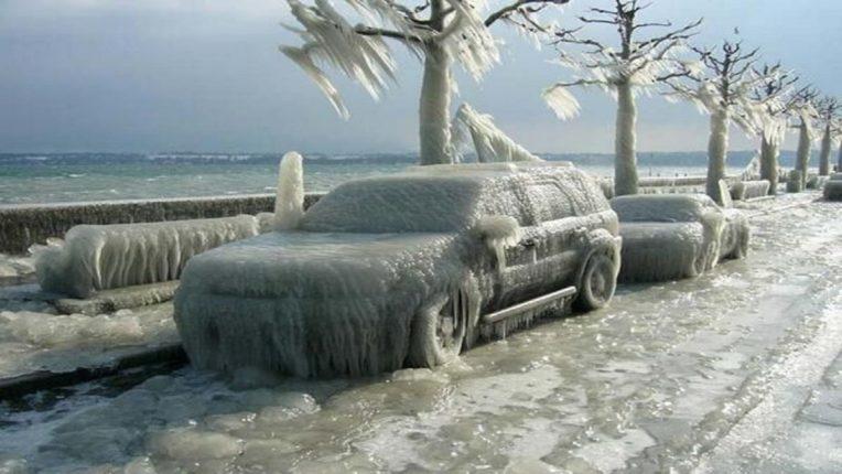 अमेरिकेत थंडीचा कहर, जागोजागी नागरिकांचे बळी, बर्फ उकळून काढतायत दिवस