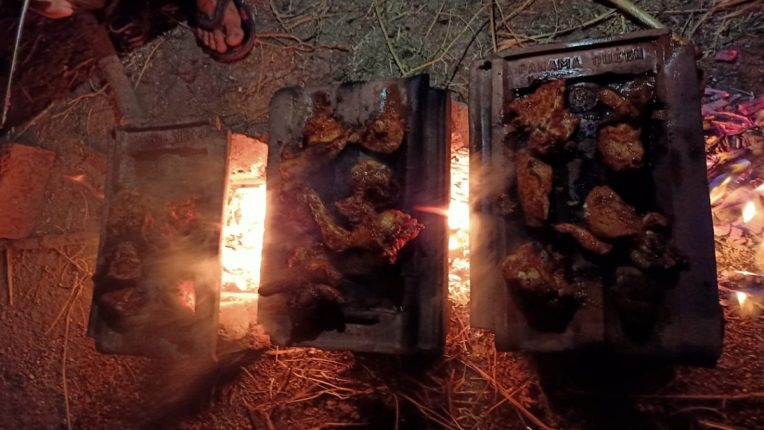 खवय्यांसाठी मेजवानी : पोपटी सोबतच 'कौल चिकन' ला रायगड मध्ये आहे प्रचंड मागणी ; एकदा आस्वाद घेऊन तर पाहा