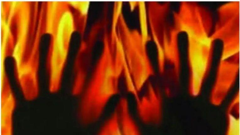 मोखाड्यात एका घराला आणि दुकानाला लागली आग, ४ जणांचा आगीत होरपळून मृत्यू