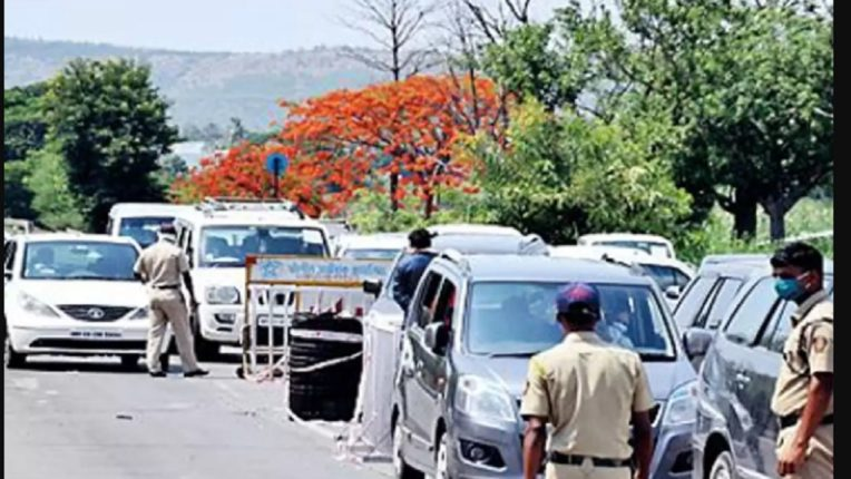 Passengers passing through Maharashtra are barred from entering Karnataka border to prevent corona; A big condition imposed for admission