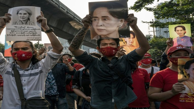 म्यानमारमधील सत्तापालटानंतर ३०० निर्वासित भारतात दाखल, पोलीस दलातील जवानांची संख्या अधिक