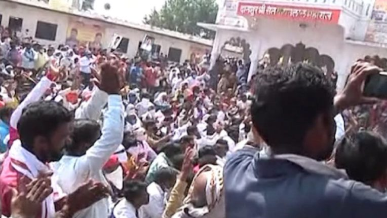 Storm crowd to Sanjay Rathore's show of strength Who is responsible if the corona infection increases?