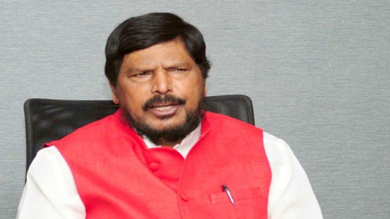 भांडुप ड्रीम्स मॉल आगीतील नुकसानग्रस्तांना शासनाने त्वरित भरपाई द्यावी : केंद्रीय राज्यमंत्री रामदास आठवले