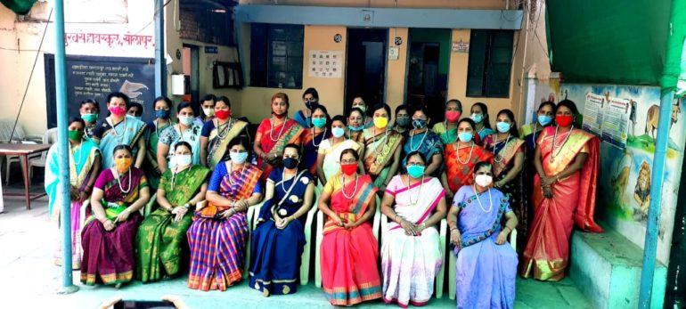 जागतिक महिला दिनी सुरवसे शिक्षण संस्थेने केला महिला शिक्षकांचा सन्मान