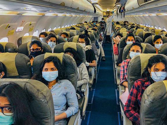 देशांतर्गत विमान प्रवास : ६६टक्के प्रवासी घटले; ५४०० कोटींचा तोटा