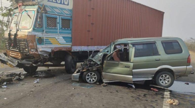 कबड्डी संघाच्या गाडीचा भीषण अपघात, दोन खेळाडूंचा दुर्दैवी मृत्यू