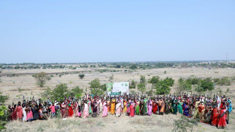 मोरयाचिंचोरेत महिलादिनी २५१ महिलांच्या हस्ते एक हजार वृक्षांचे वृक्षारोपण