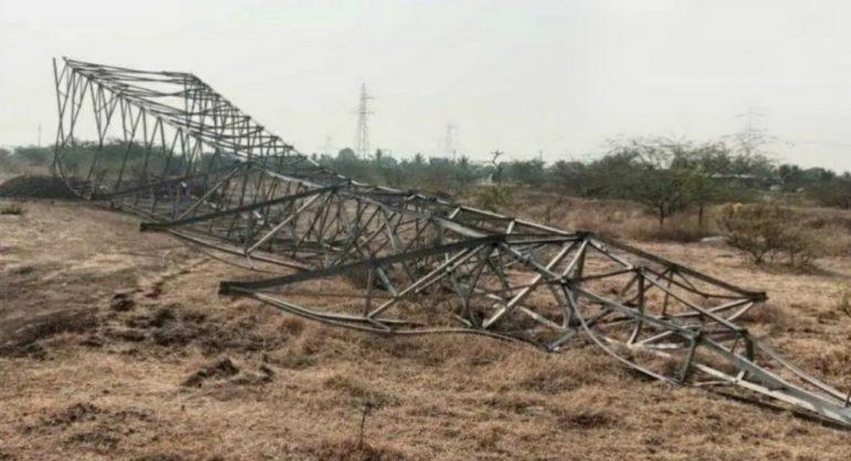 अज्ञात शेतकऱ्यांनी एनटीपीसीचे वीज वाहक टॉवर पाडले ; नुकसानभरपाई रक्कम चौपट मिळण्याच्या मागणीसाठी टॉवर पाडल्याची चर्चा