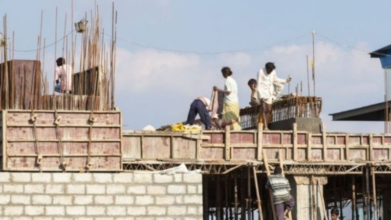 घर बांधकामाला महागाईचा फटका; नवीन घराचे स्वप्न अपूर्णच