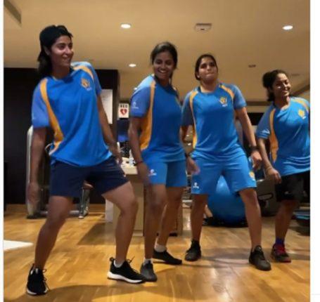 दक्षिण आफ्रिकेला हरविल्यानंतर महिला टीमचा मास्टर डान्स; व्हिडिओ व्हायरल