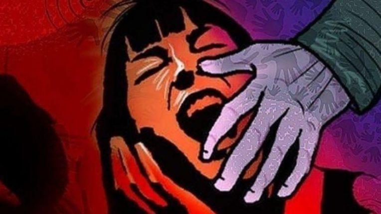 करिअर खराब करण्याची भीती दाखवून शिकाऊ बाॅक्सरवर बलात्कार; पोलिसांनी कोचला ठोकल्या बेड्या