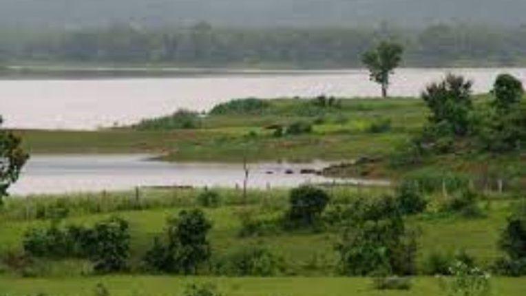 खदान तलावाचे पाणी पशूपक्ष्यांसाठी राखीव; पशूपालकांच्या तक्रारीची अखेर दखल