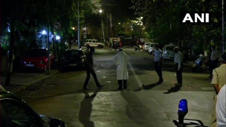 सचिन वाझेंना पोलिसांनी नेलं अँटालिया इमारतीपाशी, पुन्हा घडवला क्राईम सीन, तपासाची चक्रं वेगवान