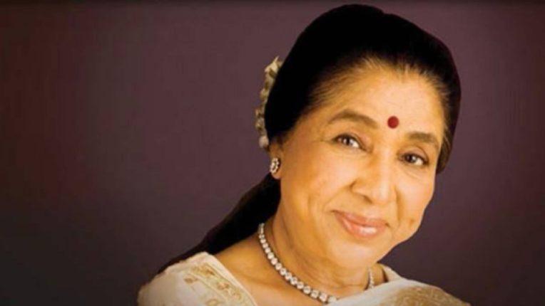 महाराष्ट्र भूषण पुरस्काराच्या घोषणेनंतर ज्येष्ठ गायिका आशा भोसले यांनी खास व्हिडिओ करत मानले प्रेक्षकांचे आभार!