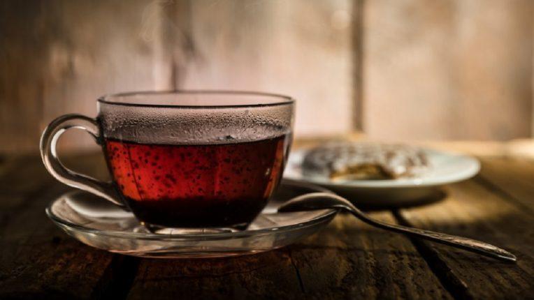 ब्लॅक टीचे हे आठ फायदे तुम्हाला माहिती आहेत का? हे वाचा, चहा सोडाल आणि ब्लॅक टी प्यायला सुरूवात कराल!