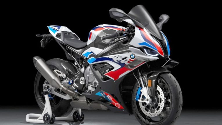 BMW ने भारतात लाँच केली M 1000 RR, जाणून घ्या आकर्षक फीचर्सवाल्या बाइकची किंमत