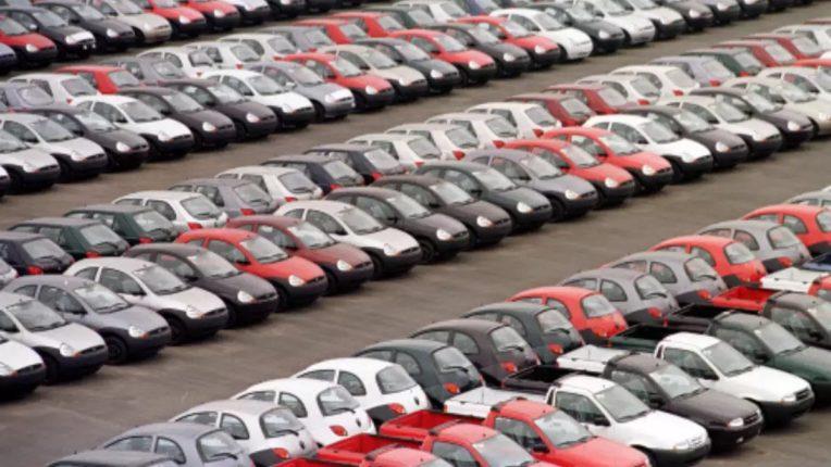 Faulty Car or Bike : नव्याकोऱ्या कार-बाइक मध्ये डिफेक्ट निघाल्यास कंपनीला आता लागणार 'एवढा' फाइन; किंमत ऐकून तुम्हीही म्हणाल,'सही पकडे है मोदीजी'