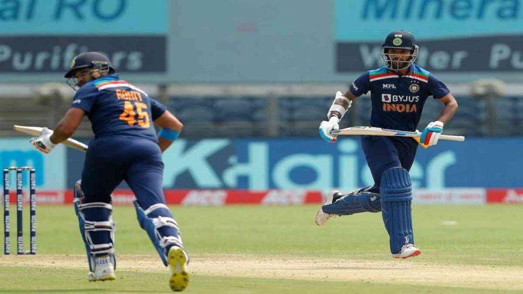 टीम इंडियाला पहिला जोरदार झटका, हिटमॅन रोहित शर्मा कॅच आऊट