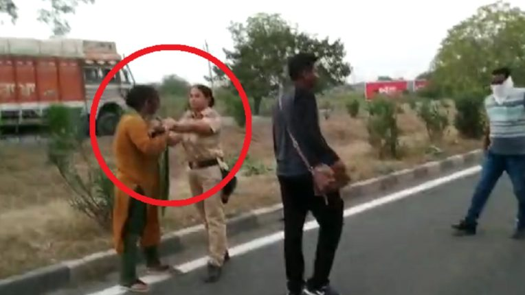 Dhingana of drunken woman on Mumbai-Agra highway; Direct put his hand to the police collar