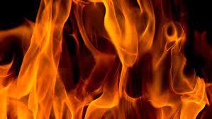 आगीच्या स्फोटात मीटर जळून कोळसा