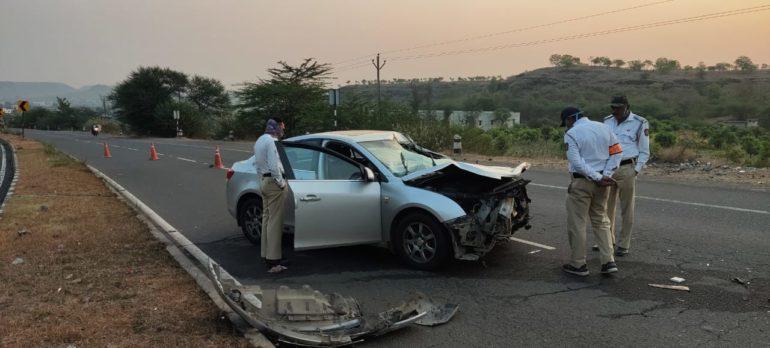 कारचीवाहनाला पाठीमागून धडक; घारगांव शिवारात अपघात,तीन जण जखमी