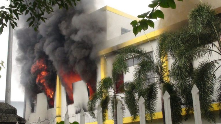 Outbursts against China in Myanmar; Ten factories on fire