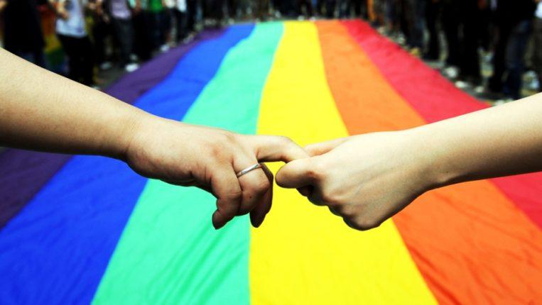 समलैंगिक दाम्पत्यांसाठी धक्का; व्हॅटिकनच्या धार्मिक संस्कार मंडळाने घेतला आशीर्वाद न देण्याचा निर्णय